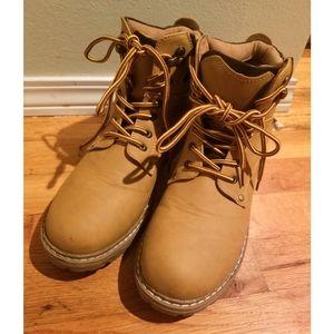 F21 workman boot